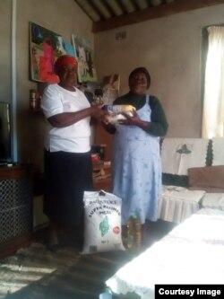 Banikwa ukudla okudingwa ngabadabuka eZimbabwe abahlala kwele Bhilithane. (Courtesy Image)