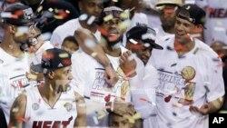 Košarkaši Majamija slave pobedu u sedmoj utakmici finala NBA plej-ofa