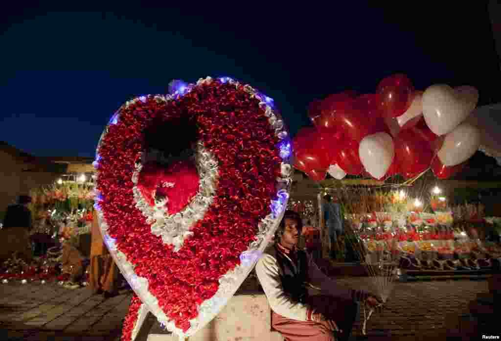 حالیہ برسوں میں ویلنٹائن ڈے پاکستان میں بھی تیزی سے مقبول ہوا ہے۔