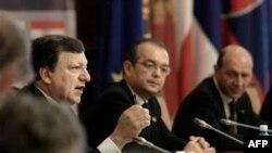 Predsednik Evropske komisije i premijer i predsednik Rumunije na otvaranju samita o Dunavskoj strategiji u Bukureštu