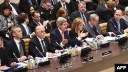 Ngoại trưởng Kerry nói chuyện tại Hội nghị cấp cao ở Brussels, giữa các đối tác trong liên minh diệt trừ nhóm Nhà nước Hồi giáo, 3/12/14