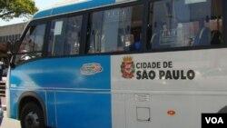 Los ómnibus y microbuses aseguraron el transporte público en Sao Paulo durante el apagón.