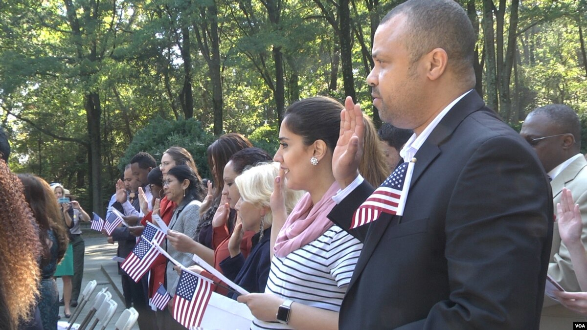 Immigrants Become Citizens at U S  National Park