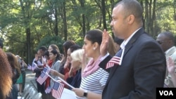 Immigrants Take Oath to Become U.S. Citizens