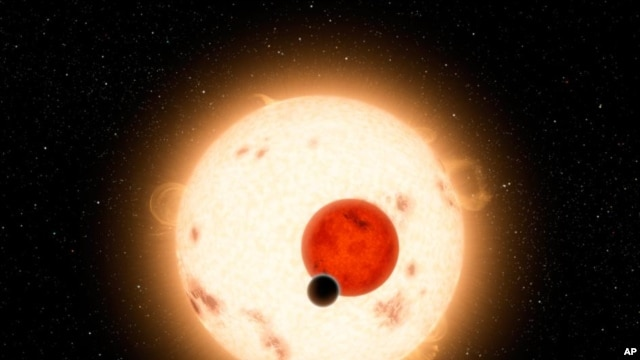 Artist's conception of planet (dark circle) orbiting two suns