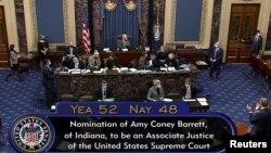 Thượng viện bỏ phiếu chuẩn thuận bà Barrett tối ngày 26/10/2020.