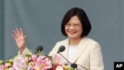 타이완 역사상 최초 여성 총통인 차이잉원 신임 총통이 20일 타이페이에서 열린 취임식에서 연설하고 있다.