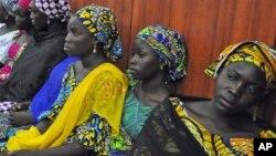 Wasu daliban Chibok da suka tsira.