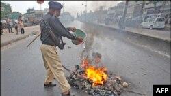 Giới hữu trách đã tăng cường triển khai các lực lượng an ninh tại Karachi hồi tháng trước, nhưng bạo động vẫn tiếp diễn