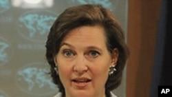 Phát ngôn viên Bộ Ngoại giao Hoa Kỳ Victoria Nuland nói với rằng Pakistan, nước láng giềng của Afghanistan, đóng một vai trò quan trọng trong việc hỗ trợ cho an ninh Afghanistan