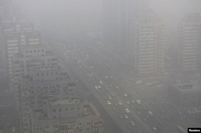 2014年2月26日雾霾重重的北京三环
