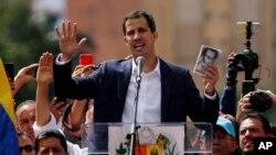 Xuan Quaydo, Venesuela müxalifət lideri özünü müvəqqəti prezident elan edir, Karakas, Venesuela, 23 yanlar 2019-cu il.