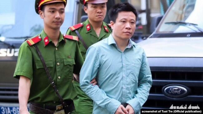 """Luật sư Trần Vũ Hải nói rằng trong phiên tòa xử ông Hà Văn Thắm (ảnh) mới đây, """"toà đã để các bị cáo khai đưa cho ai tiền""""."""