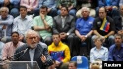 Ramón Guillermo Aveledo dijo que la MUD garantiza que postulará un solo candidato presidencial si se convoca a elecciones.