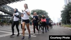 Sebanyak 300 pelari perempuan dan laki-laki berkomitmen melawan pelecehan di jalan dalam acara yang digelar IndoRunners, Hollaback! Jakarta, dan cause.id. (Courtesy: @geraklensa/ Step Up and Hollaback)