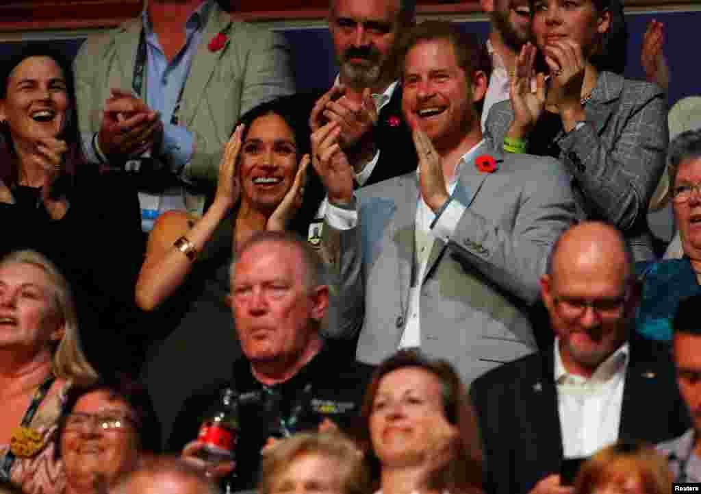 مراسم اختتامیه مسابقات ورزشی اینویکتوس با حضور پرنس هری و همسرش در سیدنی استرالیا. شاهزاده هری بنیانگذار این رشته مسابقات با هدف حمایت از کهنه سربازان است.