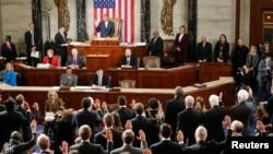 Ketua DPR Amerika John Boehner mengambil sumpah para anggota baru Kongres AS ke 114 di Gedung Capitol, Washington DC (6/1).
