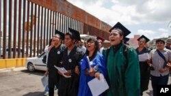 Más de 22.000 jóvenes soñadores podrán solicitar una licencia de conducir en Arizona.