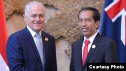 Presiden Joko Widodo dengan Perdana Menteri Australia Malcom Turnbull lakukan pertemuan di sela-sela KTT ASEAN di Vientiane, Laos, Kamis 8 September 2016 (Foto: Biro Pers Kepresidenan).