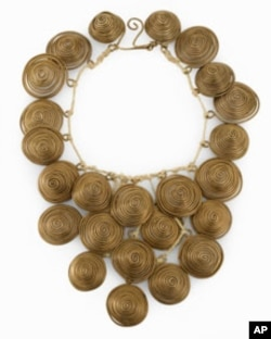 A Calder necklace, with his trademark circles. The artist often gifted jewelry pieces to his hostess at dinner parties.