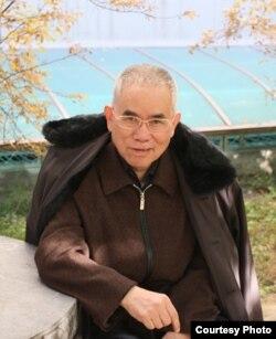 新华社退休记者李竹润 (北京外国语大学网站)