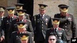 土耳其總理埃爾多安及其最高軍事委員會成員