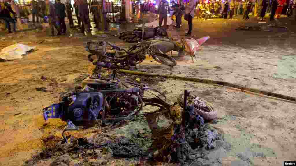 Les débris de l'explosion, Bangkok, 17 août 2015.