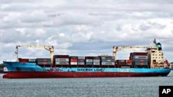 The U.S.-flagged Maersk Alabama, leaving the Port of Mombasa, Kenya (file photo - April 22, 2009)