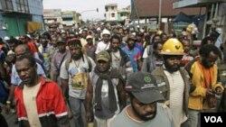 Pekerja PT. Freeport-McMoRan Copper & Gold Inc.'s berdemonstrasi di Timika pekan lalu (20/10).