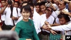 버마의 민주화 운동 지도자인 아웅산 수치 여사 (자료사진)