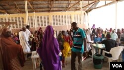 Every day, Doctors Without Borders sees about 1,000 people in its health facilities in Maiduguri, Nigeria, October 2016. (C. Oduah/VOA)