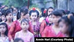 Acara Perkawinan Anak di Indonesia (foto: ilustrasi). Batas usia perkawinan bagi perempuan dinilai terlalu rendah, yakni 16 tahun.