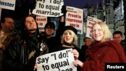 於倫敦為爭取同性婚姻合法化的民眾(2013年2月5日資料照片)