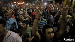 معترضان در حال شعار دادن علیه عبدالفتاح السیسی در قاهره - سپتامبر ۲۰۱۹
