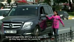 Syria Refugee Children Beg in Istanbul Streets to Support Families