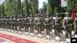 څو ورځې مخکې ددغو خاصو مراسمو په ترڅ کې د ایساف عسکرو د مهترلام د امنیت مسولیت افغان ځواکونو ته وسپاره.