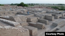 A city-settlement of the the Indus Valley Civilization, ca. 2600-1500 BCE. (Comrogues, Creative Commons)