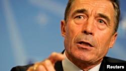 El secretario general de la OTAN, Anders Fogh Rasmussen, ha propuesto la creación de una fuerza de respuesta rápida contra rusia.