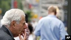 纽约市已经新法律将在大多数公众公园、海滨及路边集市广场抽烟定为非法