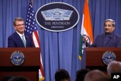 美国国防部长卡特与印度防长帕里卡尔开联合记者会(2016年8月29日)