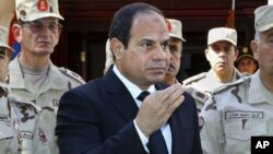Presiden Mesir Abdel Fattah el-Sissi berbicara dengan media di Kairo. (Foto: Dok)