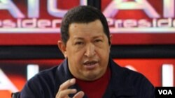 """Al hablar en su programa de televisión """"Aló presidente"""", Chávez dijo que el gobierno de Estados Unidos está equivocado."""