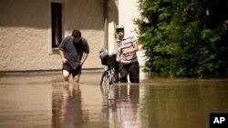 سیلاب زدگان کے لئے امدادی سرگرمیاں سست روی کا شکار