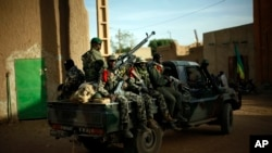 2013年2月5日,马里军队在加奥城巡逻