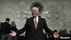 Thượng nghị sĩ Patrick Leahy của Đảng Dân Chủ là người lãnh đạo phái đoàn gồm 5 Thượng nghị sĩ và 2 Dân biểu trong chuyến đi thăm 3 ngày tới Cuba.