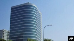 Rua de Luanda com o empolgante Edifício Atlântico, na capital de Angola (Arquivo)