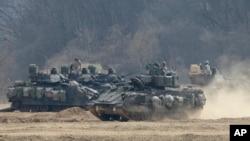 Американські танки під час навчань з військами Південної Кореї