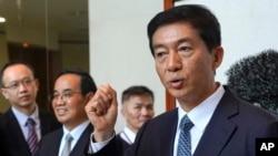 香港中联办主任骆惠宁2020年1月6日在香港举行记者会。