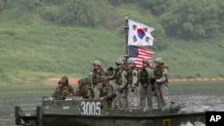 美韩2013年5月举行联合军演(美联社)
