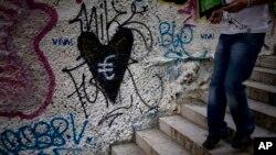 La eliminación de grafitis cuestan millones a las ciudades.